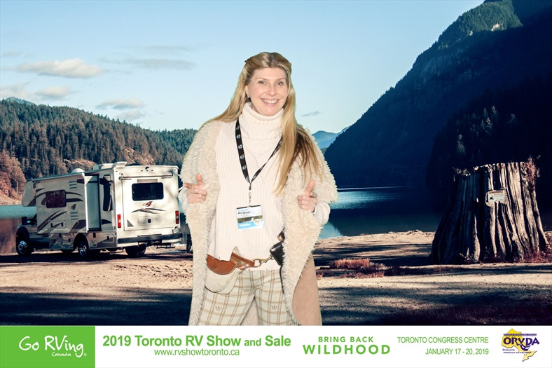 Toronto RV Show Michelle Messina with a booth